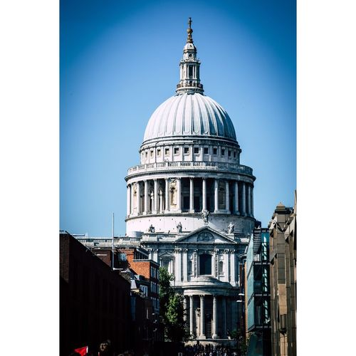 St-Paul's Cathedral églises Building Exterior Dome Built Structure Architecture Clear Sky Sky Place Of Worship Day Religion Spirituality Building