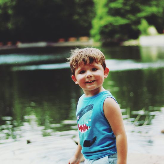 T6i Childhood Boys Smiling Nature T6i