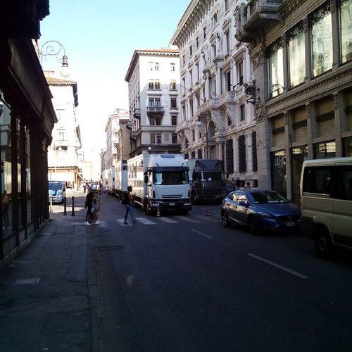 Pedonale ? Trieste Triestestreetlife Viamazzini Blabla Viamazzinipedonale