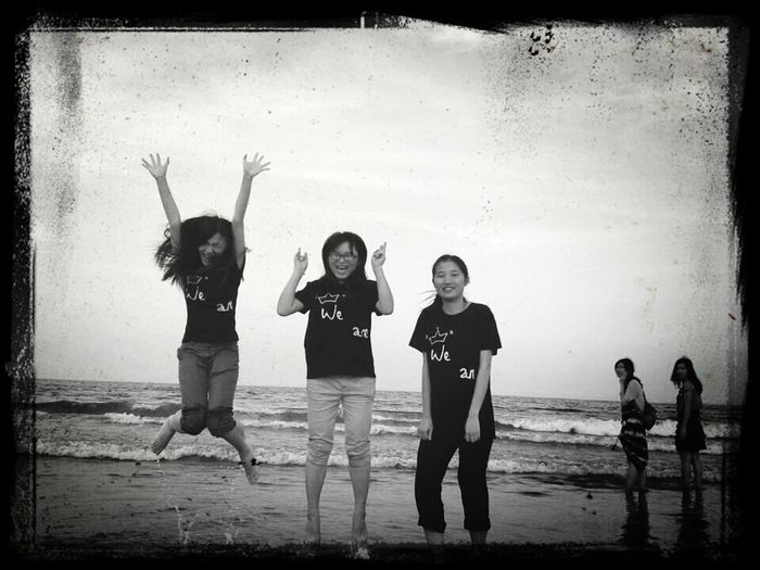 :)always remember the time that we had fun in DongHai Island. .. Enjoying Life