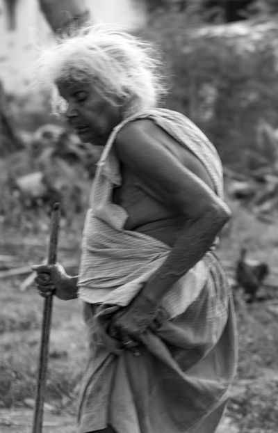 We don't have a moment to stop to their pace and look after them in this fast moving world.. help the elder people whenever you can 💙 One Person People Holding Adult Day Full Length Standing Outdoors Old Woman Grandmother Rural Scenes Village Lifestyles Life Tamilnadu Tadaa Community Taking Photos Perspective Glitch On The Road On The Move Fast Motion Old People Blackandwhite Monochrome