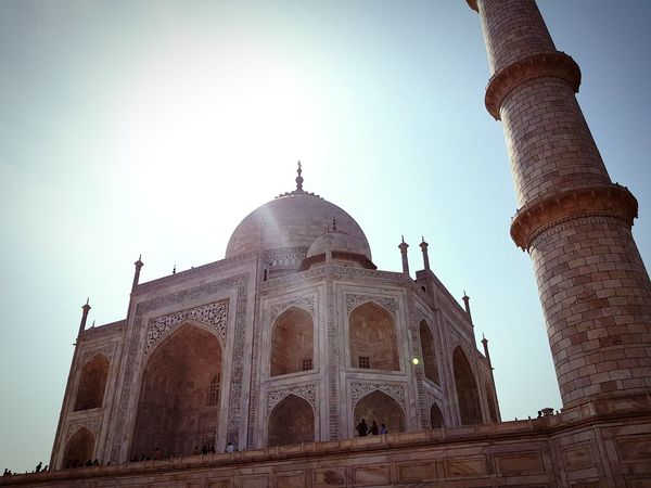 Taj Mahal Samsungphotography Samsung Galaxy Note 8 Taj Mahal Outdoors Wonders Of The World Love Historical Building Historical Monuments Historical Site Mughal Architecture Indian Culture  Agra