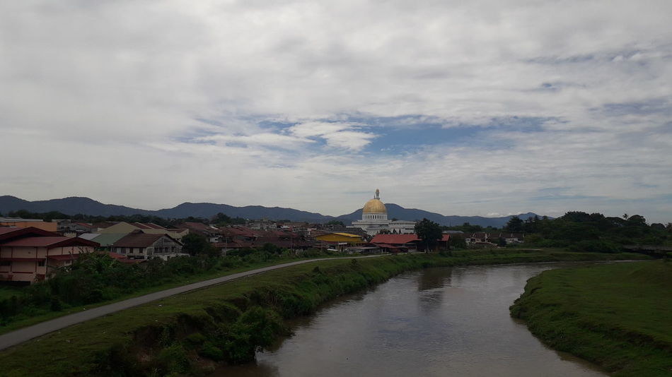 Batu Gajah town, Perak, Malaysia Mosque Batugajah Perak City Water Cityscape Mountain Place Of Worship Religion Town History River Politics And Government Village