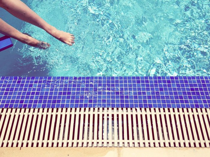 Summer Vacation Water Swimming Pool Close-up Poolside Sun Lounger Pool Tile Rippled Pool Party Tiled Floor Human Leg Mosaic