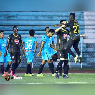 Goal celebration @alybor11 @younousseyaogo 🎆 ⚽ . . . KayaFCvsTeamSocceroo Sbspotlight Soccerbible Unakaya kayafc UFL unitedfootballleague themanansala football