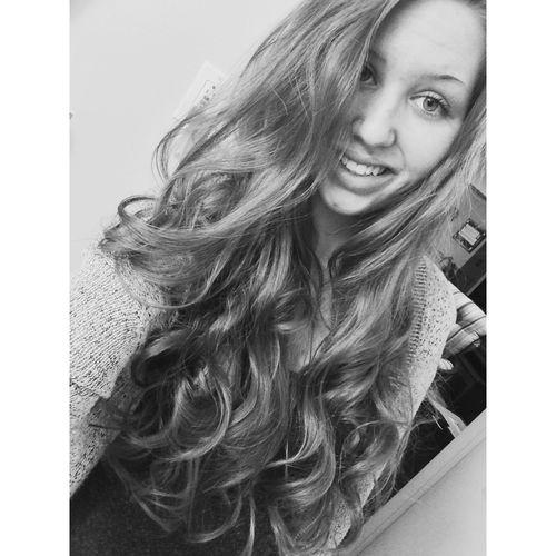 Kind of miss my super long hair Selfie Throwback ✌ Teen Girl Longhair Curls Curly Hair