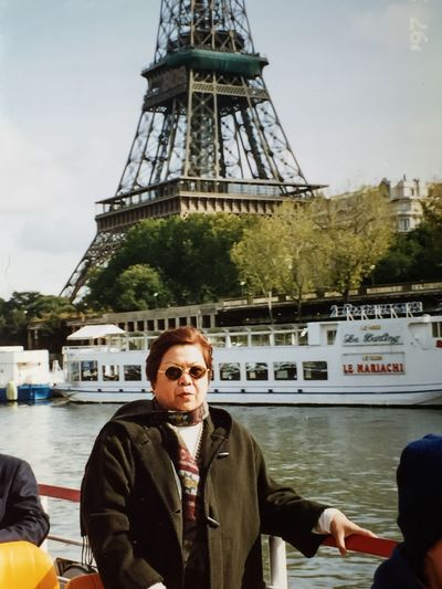 Feel The Journey Paris France! I thought I'll see Paris, the city of Love with a romantic companion. Instead I saw Paris with my daughter and s friend from London. Love the bridges, the architecture, the buildings and of course the food and wine. A memorable trip for the three of us Paris, France  Sienne_river Eiffel Tower Landmarktower RiverCruiser