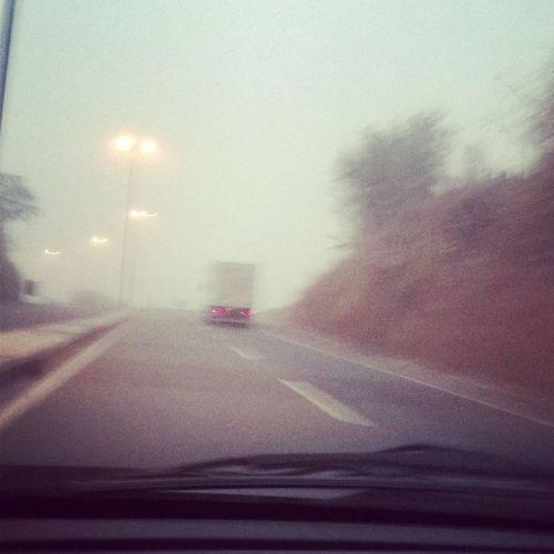 Neblina Monster que peguei hoje de manhã pelas estradas da vida !!! Cold Frioooooo