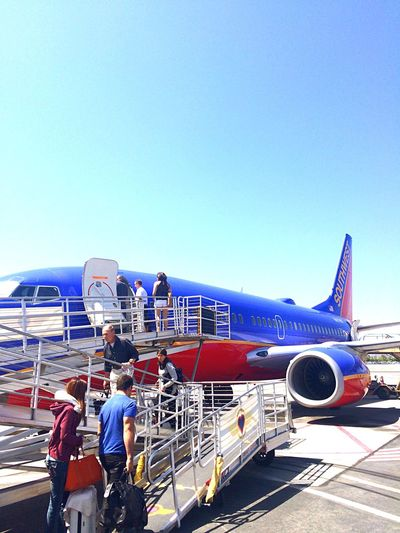 飛行機 空港 BobHopeAirport からの Lasvegas ラスベガス