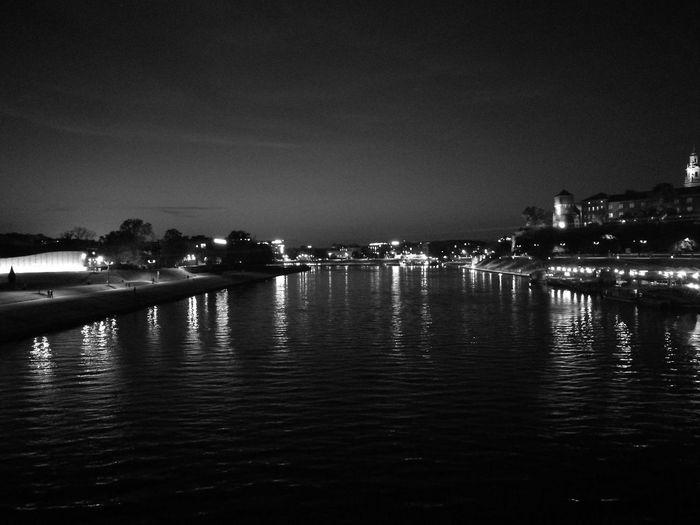 Momochrome Photography P9 Black And White Black And White Photography Black & White Krakow Krakowpoland KrakowAtNight Wisla River Wawelcastle Wawel Castle Night Nightphotography
