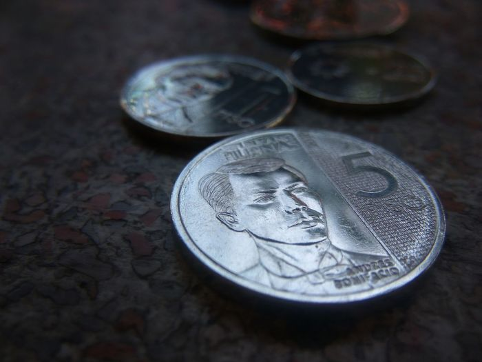 Kulotitay Clicks Mobile Photography Pesos Philippine Peso Phillipine Coins Coin Currency Savings Studio Shot Finance Wealth Silver - Metal Silver Colored High Angle View Close-up