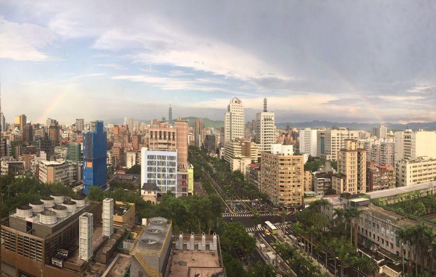 Taipei 101 Rainbow Paranoma