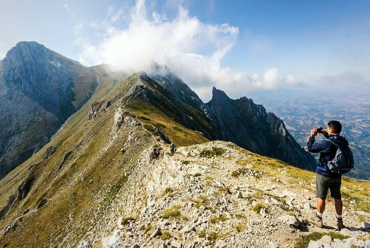 Monte Camicia Adventure Hiking Adult Cloud - Sky Adults Only People Men Mountain Discovery Standing Vacations Sky Day Outdoors Mature Adult Only Men Togetherness Mountain Range EyeEmNewHere Go Higher