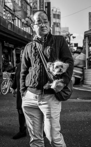 Doggie Bag Japan Japanese  Japan Photography ASIA Street Streetphoto_bw Streetphotography Blackandwhite Monochrome People Candid Dog Pet Cute Bag Fashion Style Urban City Sony A6000 Sony Zeiss35mm Cooljapan