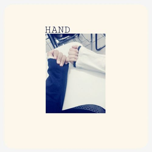 hand my friend and hand me :/?