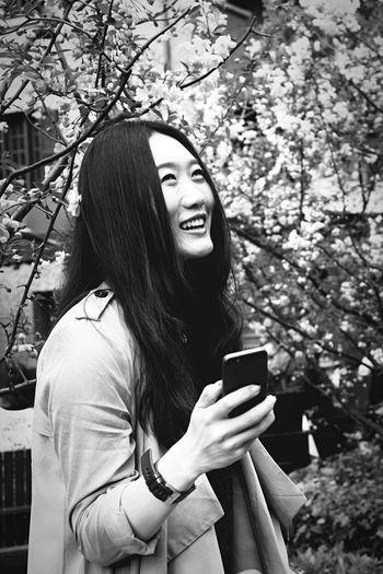 Black And White People Girl Blackandwhitephotography Blavk And White Shanghai Blackandwhite Photography Black And White Photography Blackandwhite Black&white