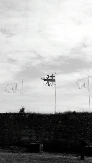 Cloud - Sky Flags Historical Machecoul