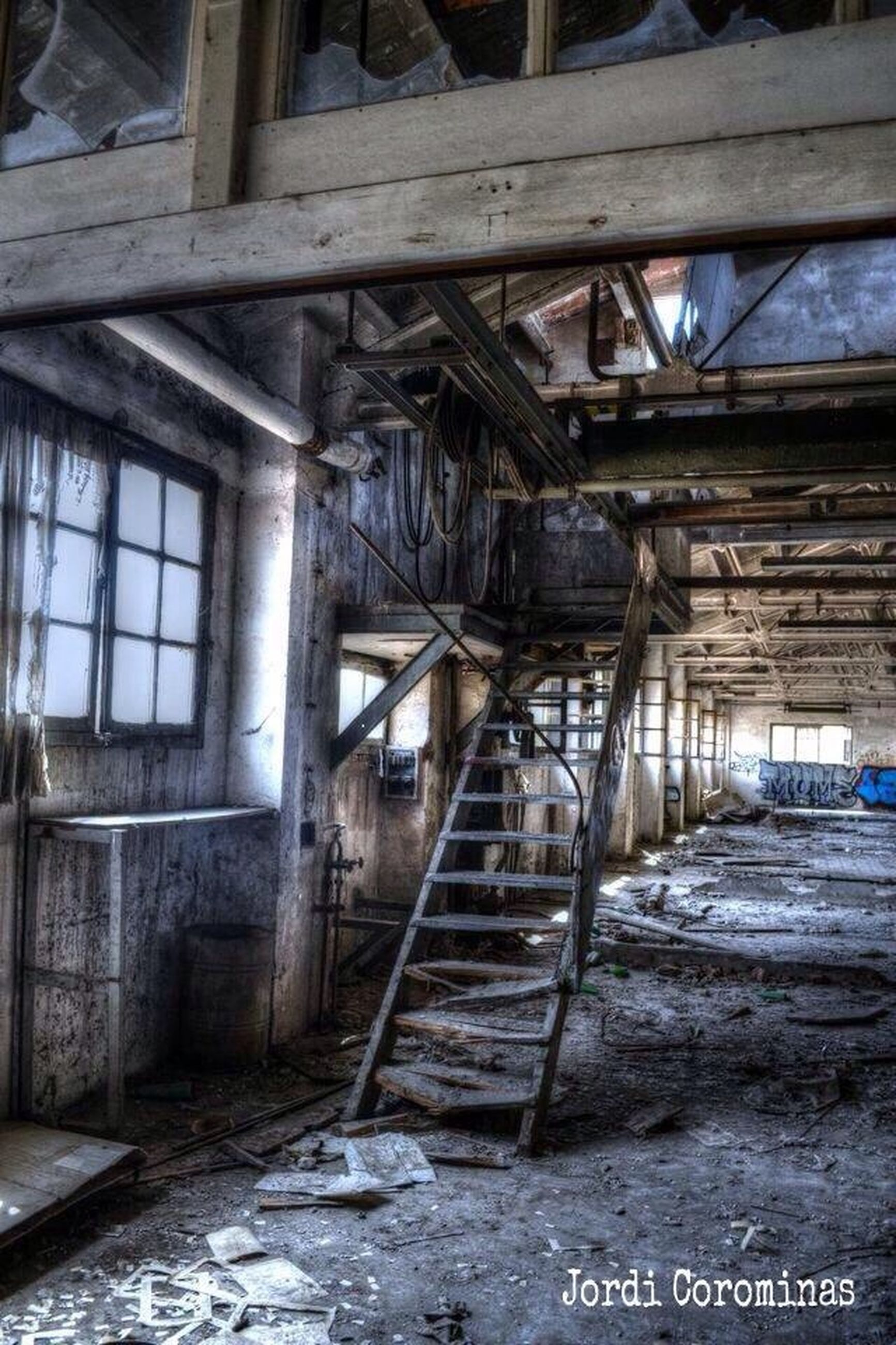 built structure, architecture, abandoned, obsolete, old, damaged, run-down, deterioration, building exterior, weathered, wood - material, bad condition, graffiti, building, house, indoors, day, destruction, interior, wall - building feature