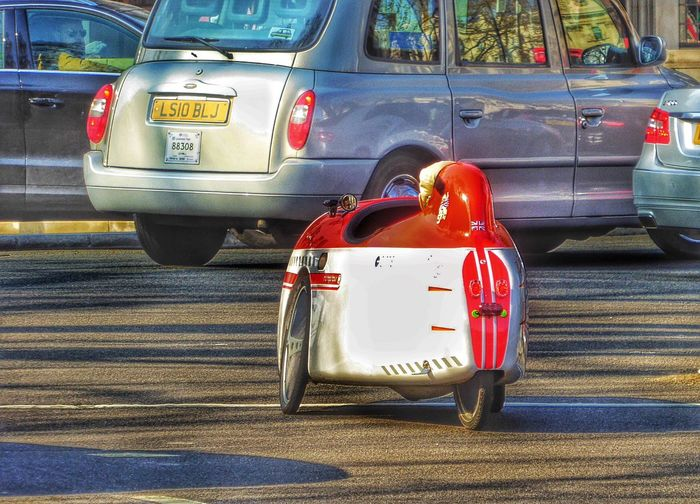 Is This A Car? What Is This? Cute Car Little Car  Little Cars Threewheeler Three Wheeler London Streets Streets Of London London London Scene London Scenes Motor Vehicles Motor Vehicle Dangerous Velomobile Sinner Velomobile
