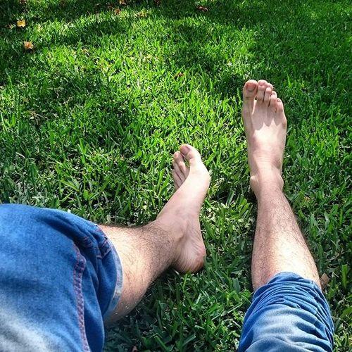 Esta foto es vieja pero me encanta... Solamente que ahora se vería mejor con compañía... El chico pies ataca de nuevo jajaja Ifyouknowwhatimean Piecitos Feetboy Sexyfeet feetgreen feet foot