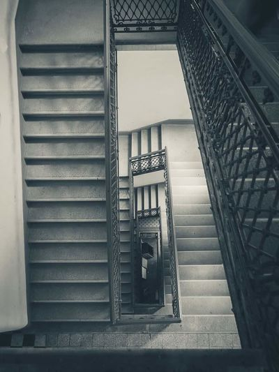 Staircase Steps And Staircases Built Structure Steps Architecture No People Repetition EyeEm Gallery Eyeemphotography EyeEm Best Shots Architecture Monochrome High Angle View Contrast Graphic