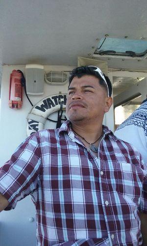 On A Boat! Me Hanging Out Taking Photos That's Me Tomando Fotos Paseando En Un Barco Ese Soy Yo