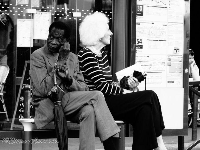 Париж город контрастов Lifestyles City Person Creativity I Love My City Париж франция The Changing City B&w Photography Paris, France  B&w Street Photography Outdoor Photography Capture The Moment EyeEm Gallery People And Places EyeEm Best Shots EyeEmBestPics City Street