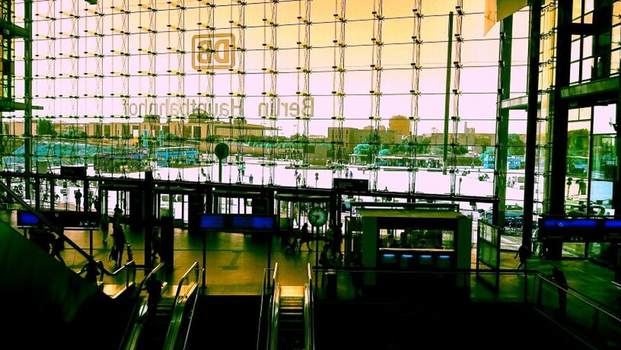 Berlin Hauptbahnhof Reisen Umsteigen Trainstation Berlin Glass Windows