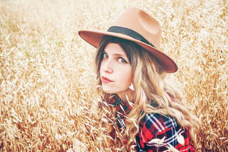 Hat Adult Women Clothing One Person Beauty Young Adult Portrait Young Women Rural Scene Hair Beautiful Woman Cereal Plant Beautiful People Agriculture Plant Crop  Hairstyle Nature Fashion Modern Contemplation Countryside