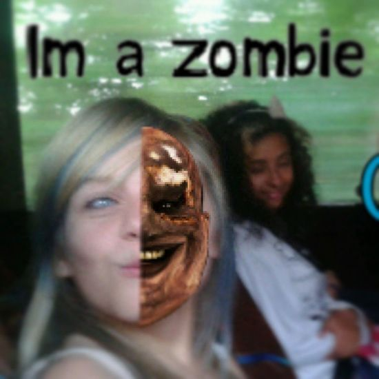 FAYE I HAVE SOMTHING.TO TELL YOU ............…'..............................…'…………..................... WE GOTTA BADASS ZOMBIE OVER EAR !! Zombie Fayesloth Faye Eeditt dead