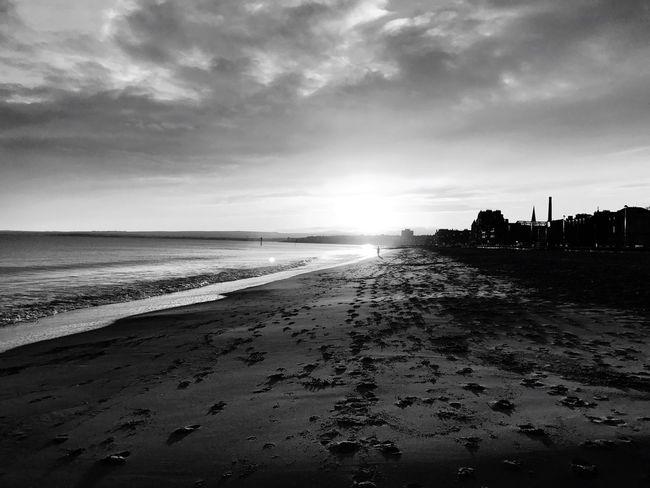 Sunset #sun #clouds #skylovers #sky #nature #beautifulinnature #naturalbeauty #photography #landscape Portobello Beach, Edinburgh Beauty In Nature EyeEm Best Shots The Week On EyeEm