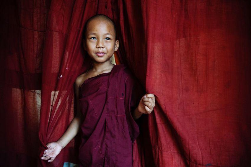The Portraitist - 2017 EyeEm Awards Streetphotography Streetphoto_color Street Photography Street Snapshots Of Life Snap EyeEm Best Shots EyeEm EyeEm Gallery The Week On Eyem Portrait Yangon Myanmar Travel Photography People
