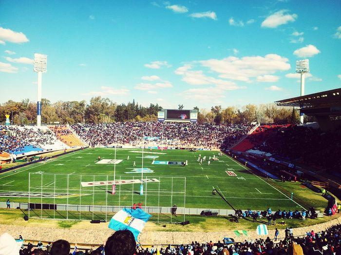 Vamos carajo! Somos el único país americano en este torneo! Rugby
