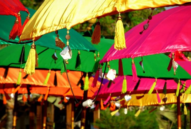 BALI EyeEm Selects Bali Indonesia_photography INDONESIA Sonnenschirme Balischirme Bunt Colourful Beautiful Tropicalparadise Paradise TropicalIsland  Beautifuldestination ASIA Wonderfulworld Beautifulbeach Multi Colored Carousel Beach Shelter Hanging Close-up