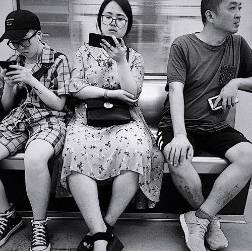 文艺重庆 | 063 Iphone6plus Sitting Group Of People Togetherness Full Length Friendship Men Adult