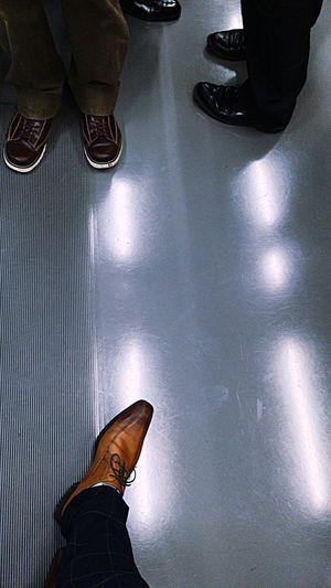 空いてやがるぜ、12/29。(写真は昨朝のです。) Train Inthetrain Shoes Looking Down Lookingdown