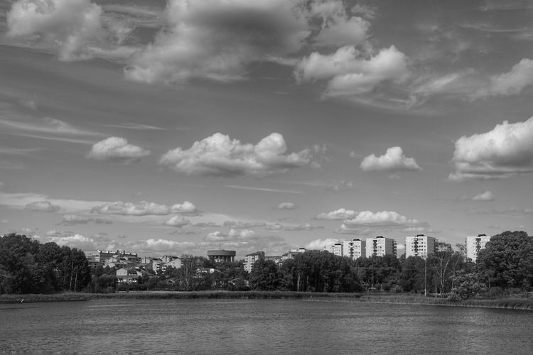 Follow my Facebook page https://www.facebook.com/niklasstormfoto/ Water Niklas Storm Augusti 2018 Tree City Sky Architecture Building Exterior Cloud - Sky Calm Waterfront Lakeside #urbanana: The Urban Playground Summer In The City My Best Photo