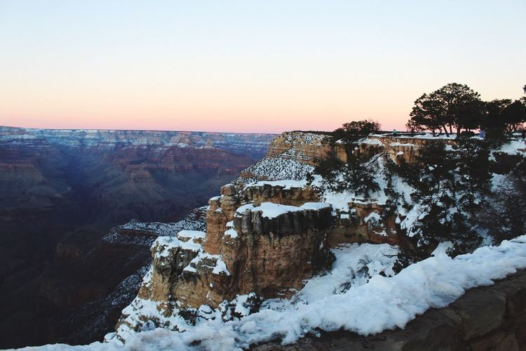 Grand Canyon in Winter part 2 Nature Beauty In Nature Winter Scenics Snow No People Tranquility Clear Sky Outdoors Cold Temperature Landscape Sunset California Love First Eyeem Photo Beauty In Nature Snowing EyeEmNewHere
