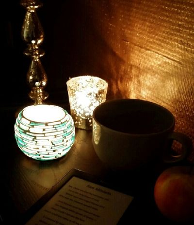 The modern reader Kindle Oscarwilde Perfect Evening Candlelight