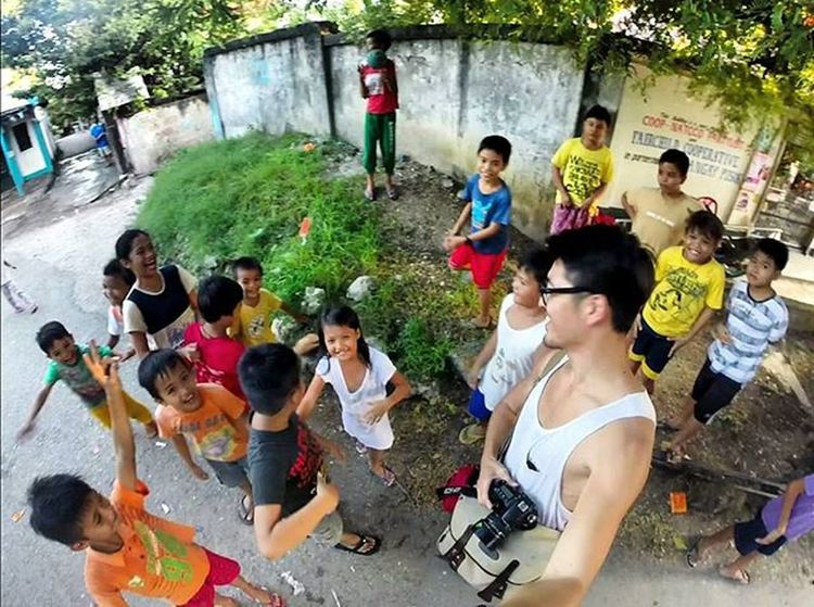 I'll back tomorrow again with snacks for you guys Cebu Philippines Mactan Kids Children Innocent Play Happy Smile Adventure Travel Trip Backpacking 필리핀 세부 막탄 Local People 아이들 동심 배낭여행 여행 동남아 Gopro 고프로 asia asian