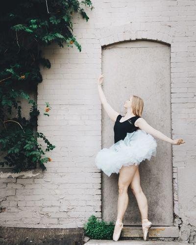 Brick ballerina Ballet Ballerina Dance Dancer Dance Photography Ballet Dancer Urban Urbanphotography Industrial Alley Alleyway Pointe Shoes Tutu