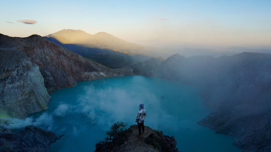 Volcano ijen, indonesien, java 2.799 m
