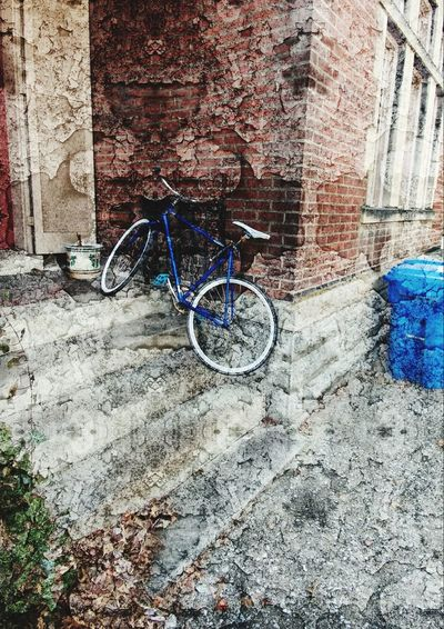 Bicycle Mode Of Transport Outdoors No People Architecture Street Photography Curb Lexington Ky 2017 Steps EyeEmNewHere EyeEmNewHere EyeEmNewHere Art Is Everywhere The Street Photographer - 2017 EyeEm Awards BYOPaper! The Architect - 2017 EyeEm Awards Lets Go Smarter Let's Go. Together. The Week On EyeEm Second Acts Mobility In Mega Cities This Is Masculinity Stories From The City Adventures In The City