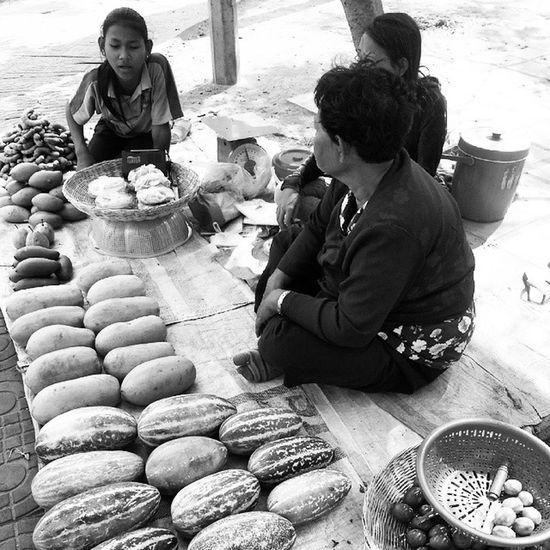 Street vendors. LifeinSiemReap KhmerLife Wanderkat Cambodia Siemreap