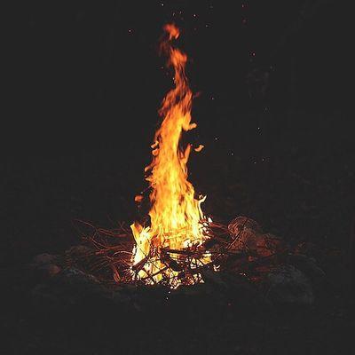 . عجب چهار شنبه سوری ای بود امسال...!!! هههههه... . Happy Chahar_shanbe_soori Fire Fireworks چهارشنبه سوری مبارک چهارشنبه_سوری