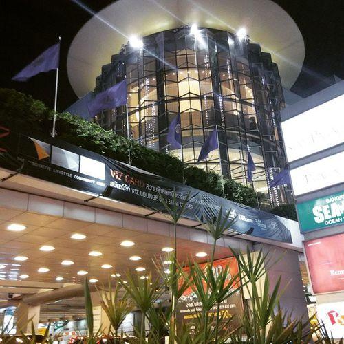 Hello Bangkok!! The night is still young!! Bangkok SiamParagon Nightlife NightIsYoung Cities At Night