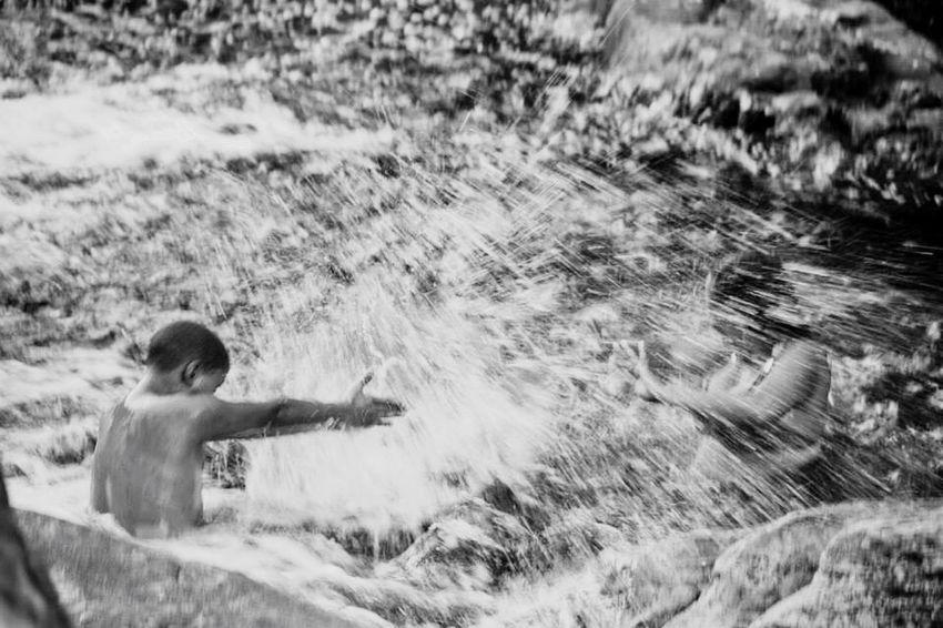 Capturing Movement Ludicidade na vida! Bahia/brazil Blackandwhite Photography Black And White Black & White Canon Lúdico