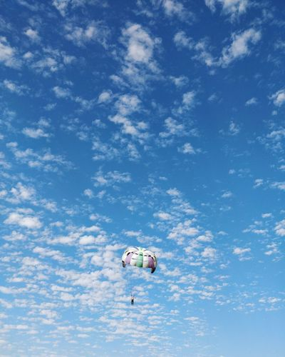 EyeEm Ready   Flying Parachute Mid-air Sky Extreme Sports Sport One Person Outdoors Cloud - Sky Paragliding Parasailing Minimalpeople Minimalist Photography  One Man Only Minimalistic Minimalism_masters EyeEm Ready   California Dreamin
