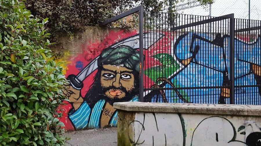 Outdoors Day Streetart Graffiti Graffiti Art Graffiti Wall Wall Cityscapes City Street Murales Muralesart Multi Colored Urbanphotography Urban Exploration Streetart/graffiti Sandokan Embrace Urban Life
