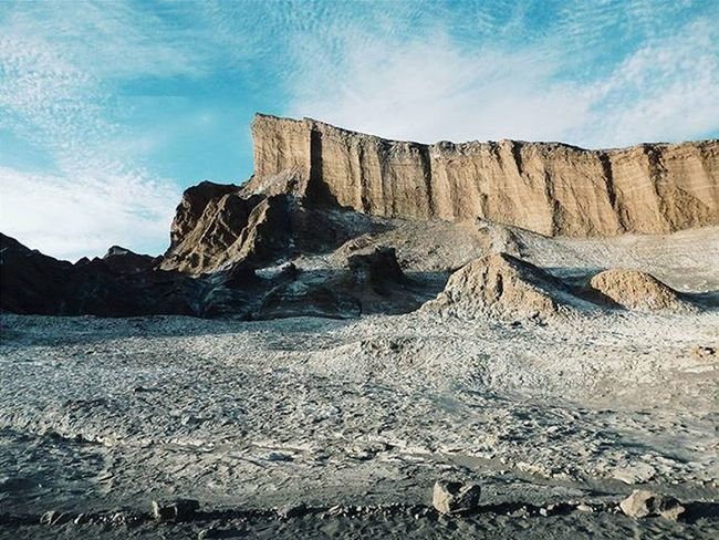 First thing I did in the Atacama Desert: went to Valle de la Luna at sunset. Travelstroke Chile Desert Valledelaluna Moonvalley Salt Lonelyplanet Instamood Discoversouthamerica Travel Backpacking Atacama VSCO This Is Latin America